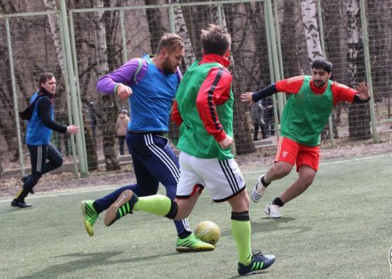 Футбол по четвергам на м.Воробьевы горы