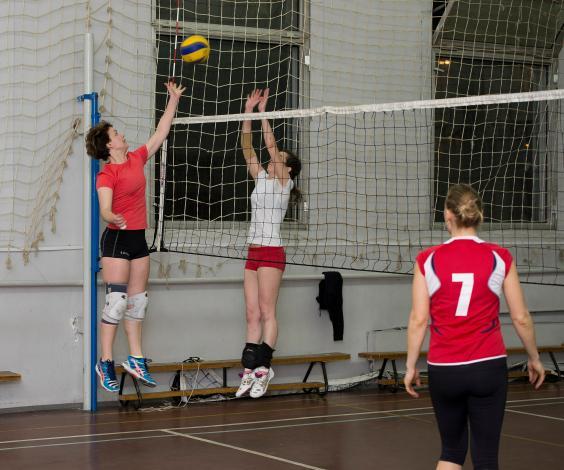 Тренировки по волейболу на м.Речной вокзал