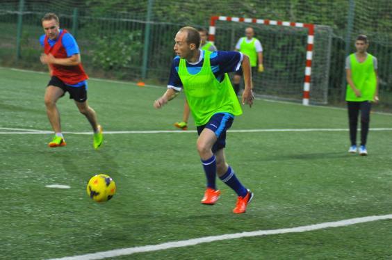 Футбол на м.Славянский бульвар