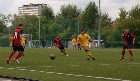 Футбол по пятнциам на м.Курская