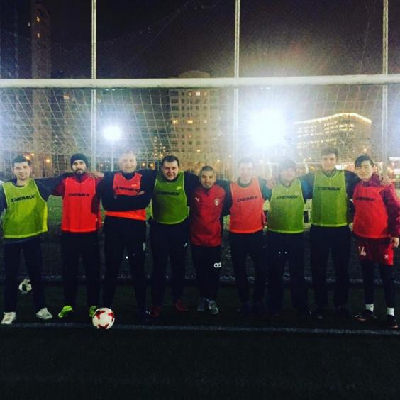 Тренировка по футболу для взрослых