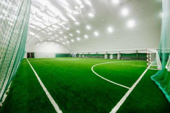 Футбол в Манеже на Лобачевского 114